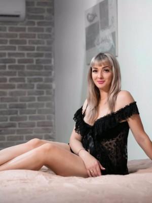 קריס – סקסית עם תמונות אמיתיות - נערות ליווי בחיפה