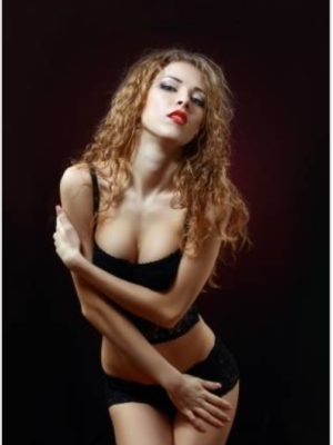 אלינה בת 25 - נערות ליווי בחיפה