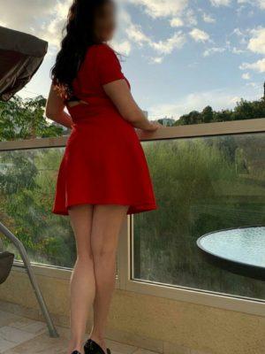 בחורה מושכת בחיפה - דירות דיסקרטיות בחיפה